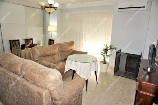 Excelente piso reformado y con muy buena situación.