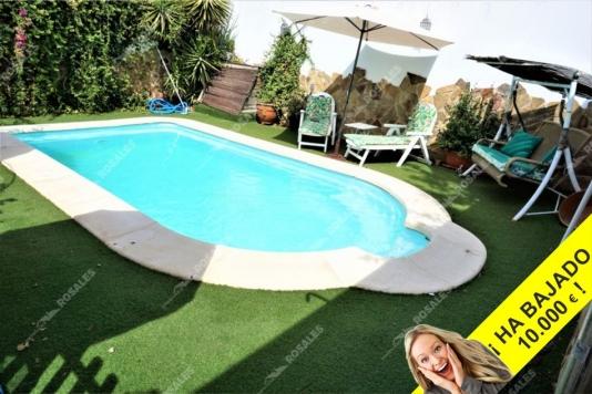 Fabulosa casa en venta en Rute, con piscina y gran cochera.